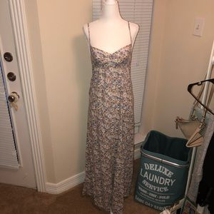 BEAUTIFUL FLORAL MAXI DRESS